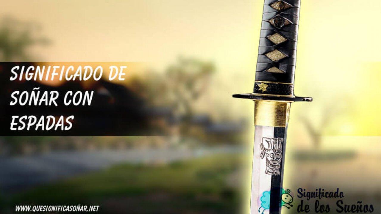 espada clavada en la pared